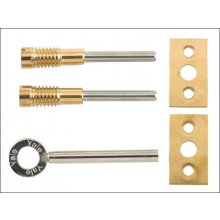 Yale 8013 Brass Sash Window Bolts Card Of 2 With A Key