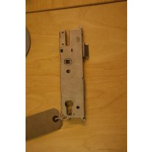 GU multipoint centre door lock case only