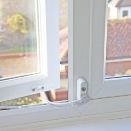 View Cubelock Window & Door Restrictor White CLS1