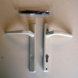 View Avocet MBWH08 White Lever Door Handle